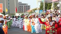 Luanda au ryhtme se son traditionnel carnaval de rue [no comment]