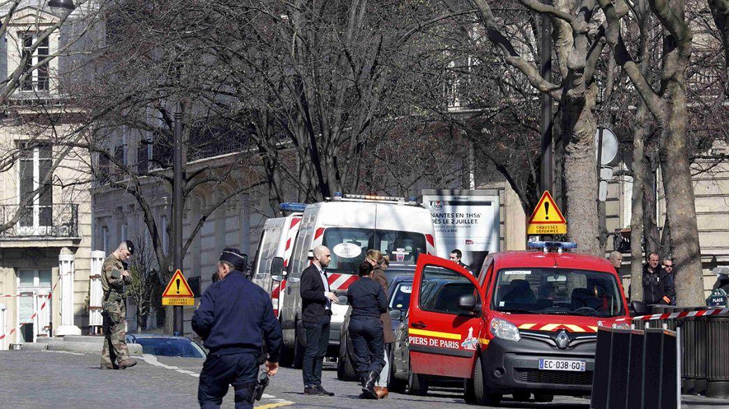 Letter bomb injures IMF employee