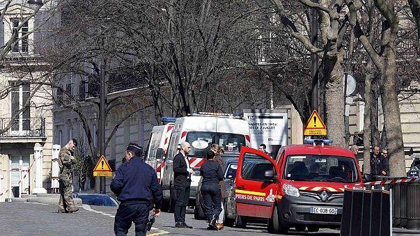 Вибух у приміщенні МВФ у Парижі при відкритті листа. Одна людина отримала поранення (джерело у поліції)