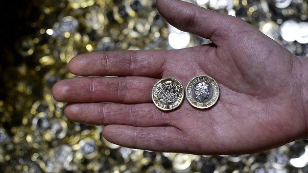 Lecserélik az 1 fontos pénzérméket az Egyesült Királyságban