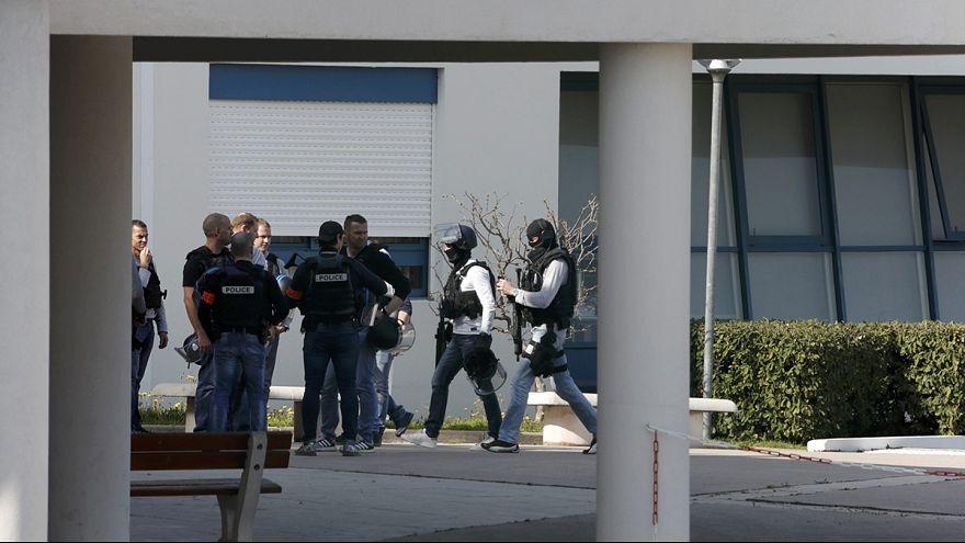 Fransa'da bir okula silahlı saldırı