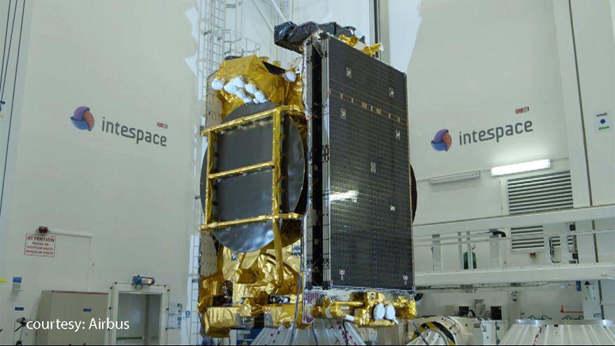 """Первый европейский """"электрический спутник"""" готов к запуску на орбиту"""
