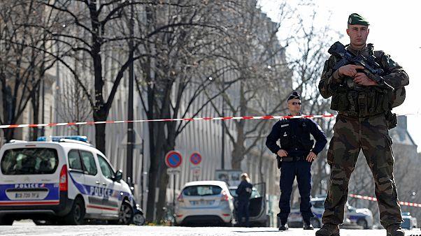 Pacote com explosivos enviado ao FMI de Paris faz um ferido