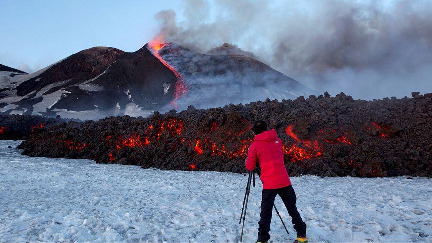 Diez personas heridas por la explosión de un cráter del Etna
