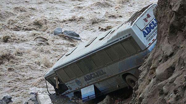 Chuvas e inundações semeiam a morte no Peru