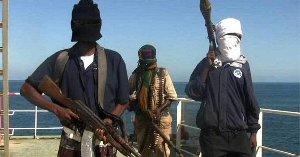 Somali pirates release hijacked ship and crew without ransom