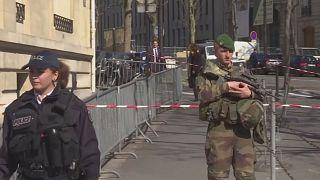 فرستنده بسته های انفجاری به پاریس و برلین گروه «توطئه هسته های آتشین» در یونان است