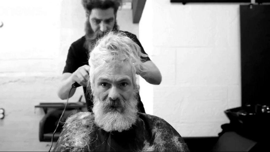 Makeover: Obdachloser Spanier erkennt sich kaum wieder