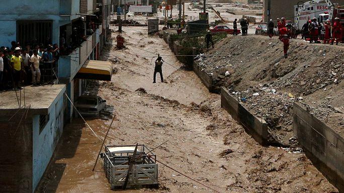 Selin vurduğu Peru'da iki hafta daha şiddetli yağış alarmı