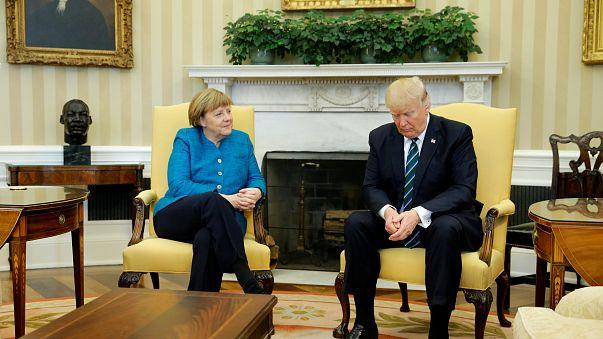 Blicke sprechen Bände: 12 ziemlich geniale Tweets zu Merkel-Trump