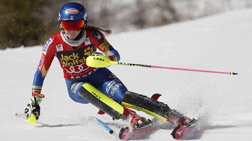 Sci alpino: successo per Petra Vlhova, festeggia la Shiffrin