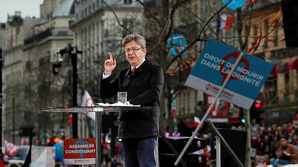Több ezres tömeg előtt beszélt a radikális baloldali Mélenchon Párizsban