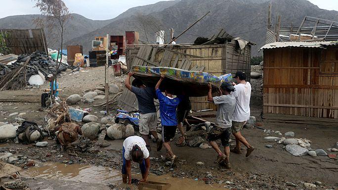 Perù: piogge torrenziali fanno decine di morti