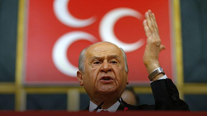 """Streit unter """"Grauen Wölfen"""": Referendum in der Türkei spaltet rechtsextreme MHP"""