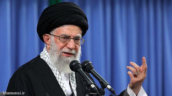 انتقاد رهبر ایران از مفهوم برابری جنسیتی: فریفتگان غافل، خانهداری زن را تحقیر میکنند