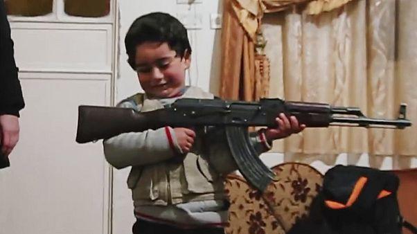 """جنيف: تتويج الفيلم الوثائقي """"عَرْض الحرب"""" عن انتهاكات حقوق الإنسان في سوريا"""