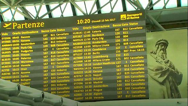 Itália: Greve dos controladores perturba tráfego aéreo