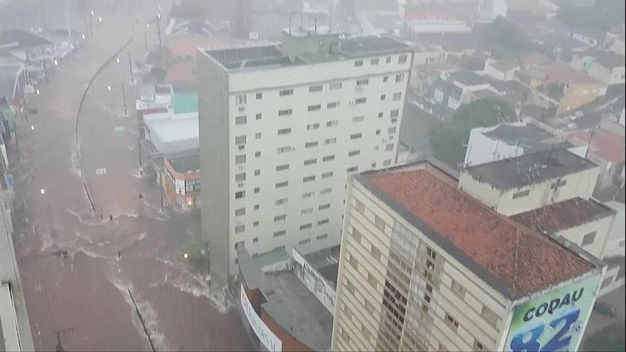 Víz alá kerültek az utak Brazíliában