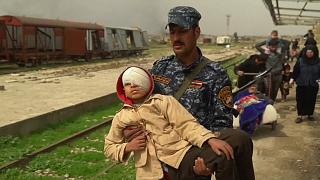 Assisting the injured of Mosul