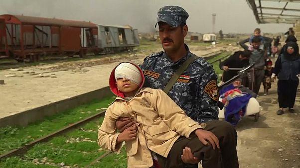 کمک به زخمی ها در موصل