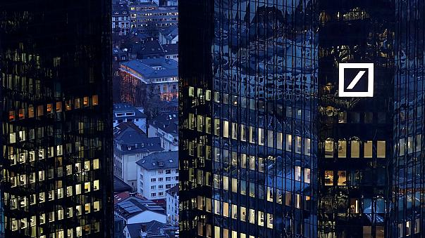 Deutsche Bank: share sale details cause price slump