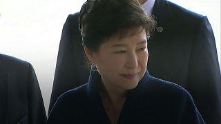 L'ancienne présidente sud-coréenne présente ses excuses au public
