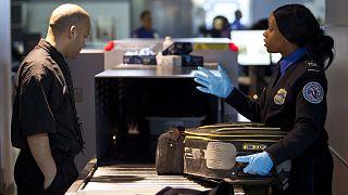 EE.UU. prohibe tabletas y ordenadores en varias aerolíneas procedentes de O. Medio y África