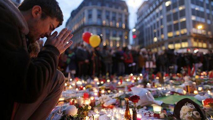 Brüksel'deki üçlü terör saldırısında ölenler anılıyor