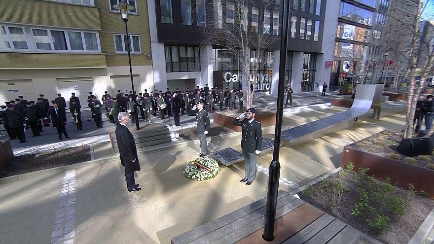 """""""Раненый, но стойкий"""" Брюссель отмечает годовщину терактов"""