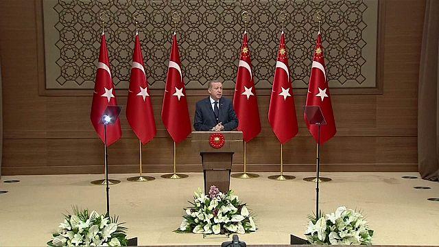 """Até onde irá a """"guerra verbal"""" entre a Turquia e a Europa?"""