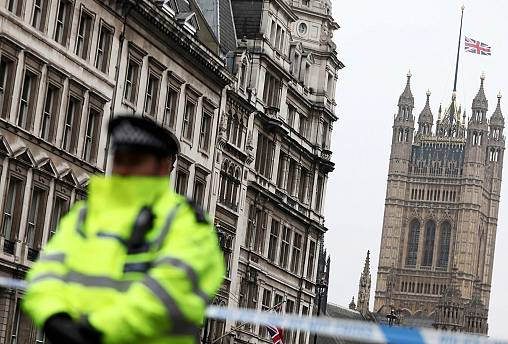 "London terrorist ""acted alone"" as police arrest eight in connection with the carnage"