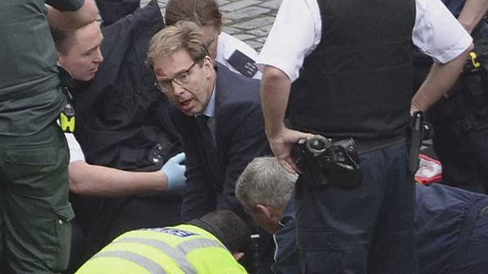 """London: Staatssekretär für Erste-Hilfe-Maßnahme als """"Held"""" gefeiert"""