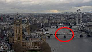 VIDEO: Der tragische Moment auf der Westminster Bridge in London