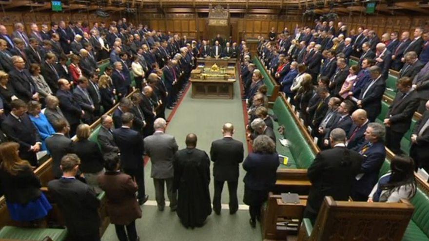 ادای احترام نمایندگان مجلس به قربانیان حمله لندن