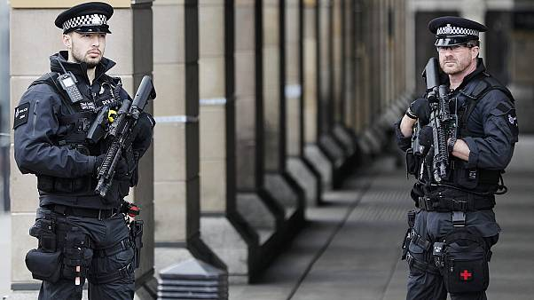 Nyolc embert tartóztatott le a brit rendőrség a szerdai támadás után