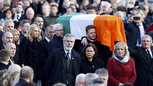 """A """"véres vasárnap"""" városában búcsúztatták Martin McGuinness-t"""