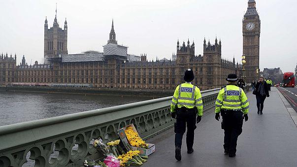Londoni támadás: a rendőrség felhívásban kér információt a merénylőről