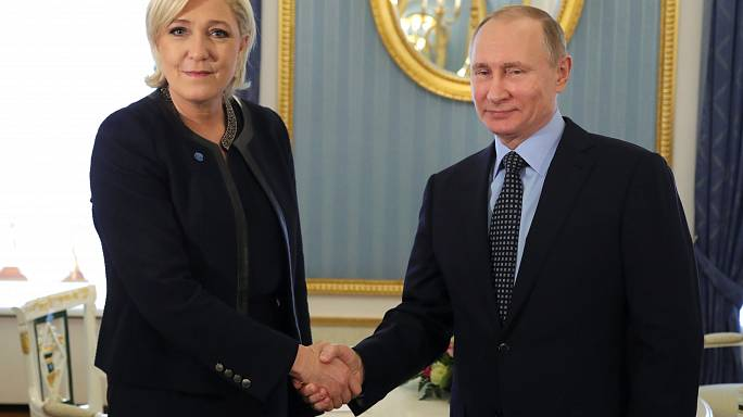Vladimir Poutine reçoit Marine Le Pen au Kremlin