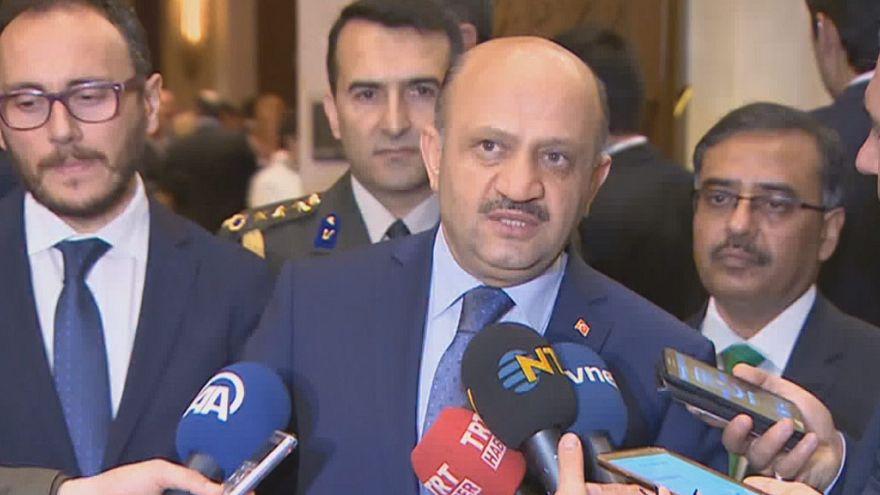 """Turquía califica de """"inaceptable"""" el embargo de armas de Alemania"""