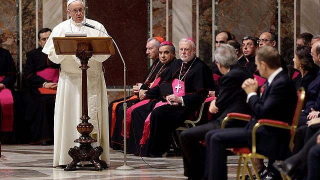 Papa Francesco: ridare speranza all'Europa con sviluppo, pace e solidarietà