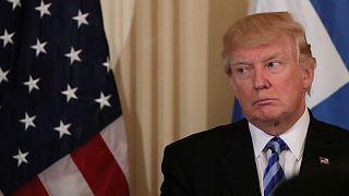 Dia humilhante para Trump depois de falhanço na reforma da saúde