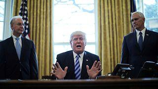 Trump no consigue suficientes votos para tumbar el Obamacare y retira su ley sanitaria