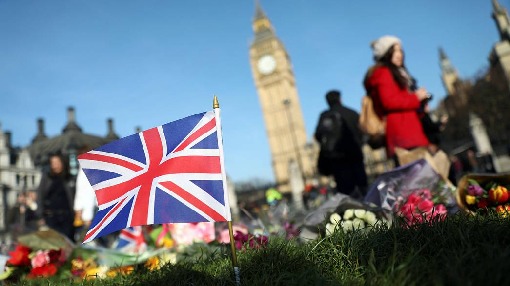 Négyen maradtak letartóztatásban a londoni támadás után
