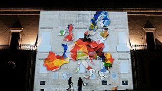 Feszültséggel teli Európa készül az egység ünneplésére