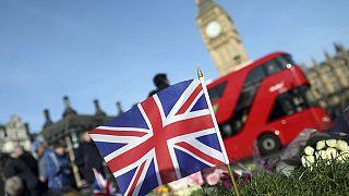 ادامه تحقیقات پلیس بریتانیا برای یافتن انگیزه عامل حمله مرگبار لندن و شناسایی همدستان احتمالی او