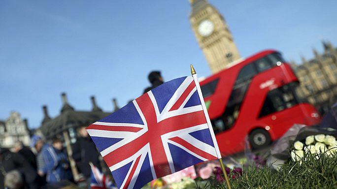 Londoni támadás: két embert őrizetben tartanak