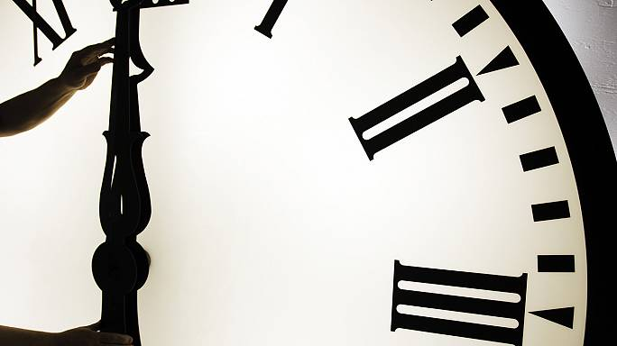 Los relojes se adelantan una hora
