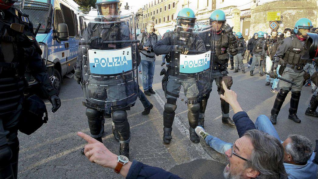 Marchas por y contra la UE en una Roma blindada