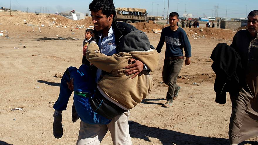 Irak anuncia un alto en su ofensiva para recuperar Mosul tras la muerte de cientos de civiles en bombardeos de la coalición