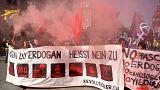 İsviçre'de 'referanduma hayır' gösterisinde skandal pankart